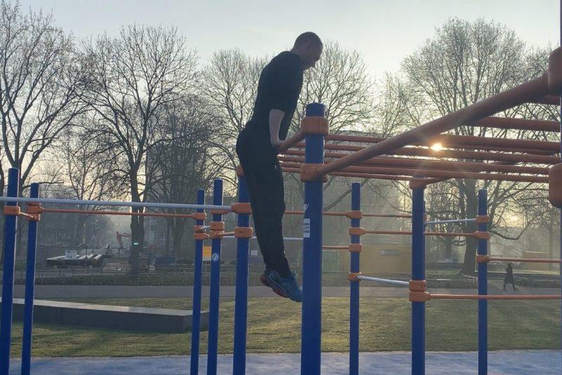 Muscle up - CalisthenicsWorld.nl